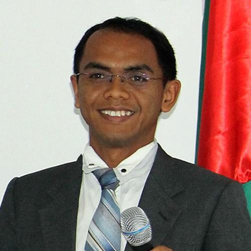 Emile Ratsivongo, Director
